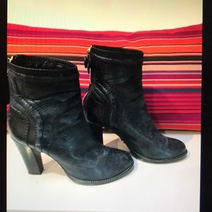 Chloe navy leather ankle boots, size 37 1/2